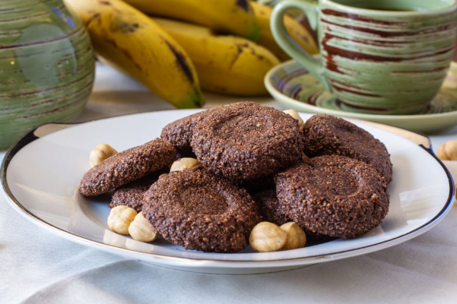 https://yemek.com/tarif/uc-malzemeli-sekersiz-kurabiye/   Üç Malzemeli Şekersiz Kurabiye Tarifi