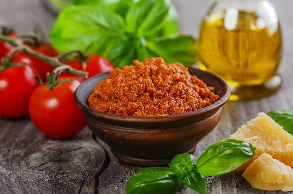 https://yemek.com/tarif/parmesanli-aci-sos/ | Parmesanlı Acı Sos Tarifi