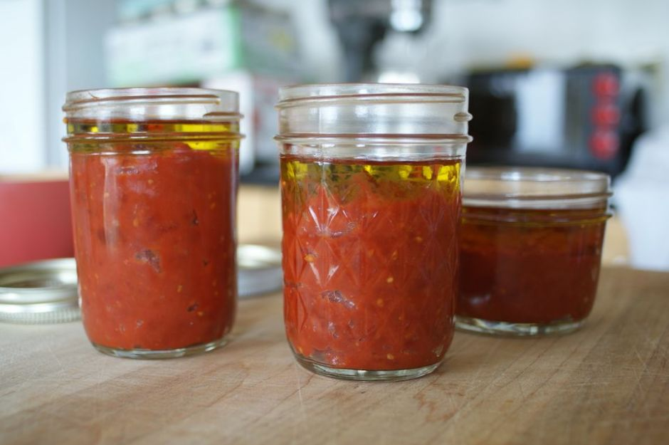 https://www.thespruce.com/easy-homemade-tomato-paste-recipe-2216043 | thespruce