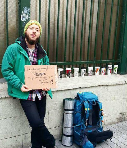 Kahve Bardaklarına Çizimler Yaparak Dünyayı Gezen Türk Gezgin Berk Armağan