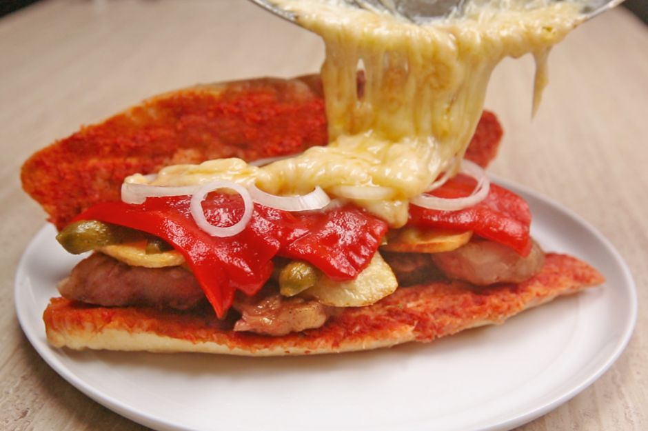 Pirzolalı Dev Sandviç