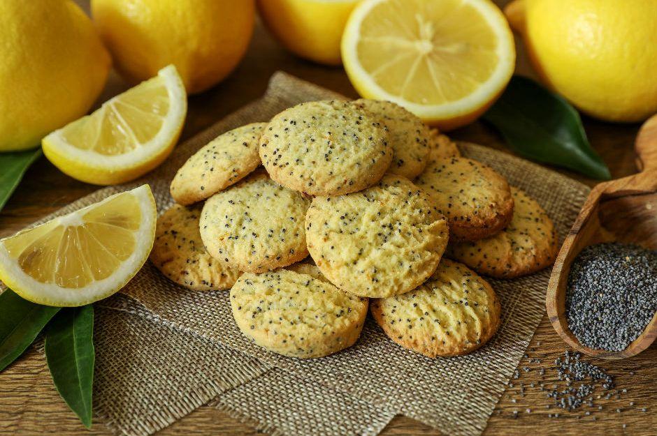 https://yemek.com/tarif/limonlu-hashasli-kurabiye/ | Limonlu Haşhaşlı Kurabiye Tarifi