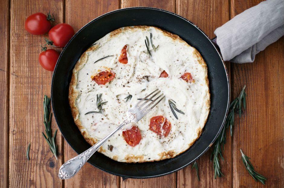 https://yemek.com/tarif/beyaz-omlet/ | Beyaz Omlet Tarifi