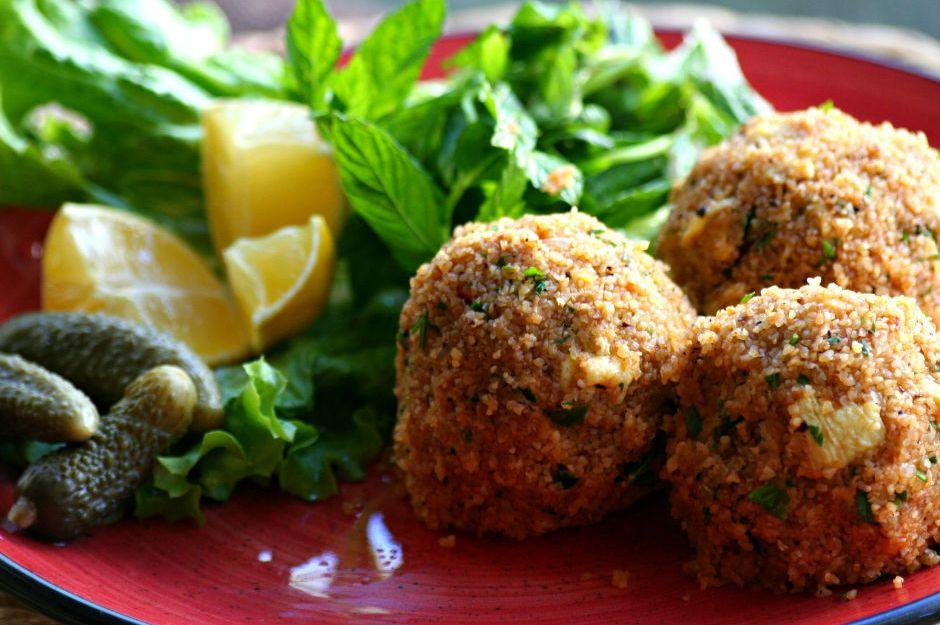 https://yemek.com/tarif/yumurtali-kofte/ | Yumurtalı Köfte Tarifi