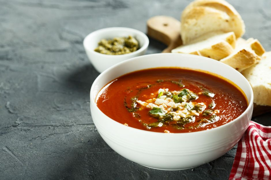 https://yemek.com/tarif/feslegenli-domates-corbasi-2/ | Fesleğenli Domates Çorbası Tarifi