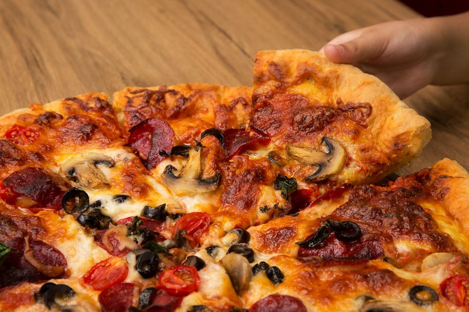 Pizza Hamuru Yerine: Kat Kat Tortilla Pizza ile ilgili görsel sonucu