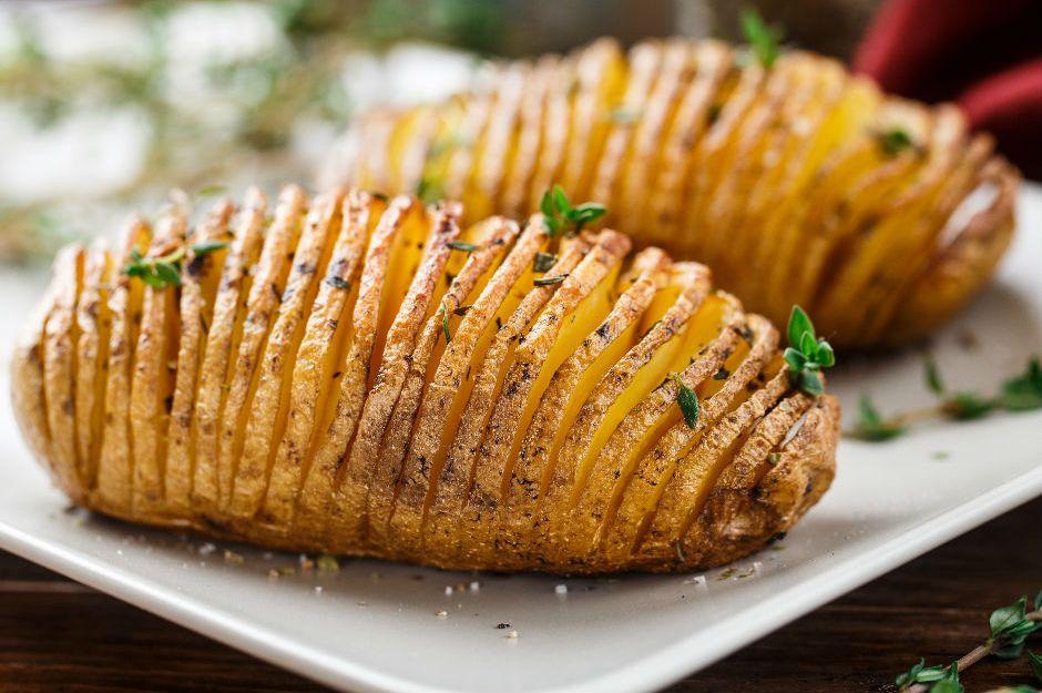 https://yemek.com/tarif/yelpaze-patates/ | Yelpaze Patates Tarifi
