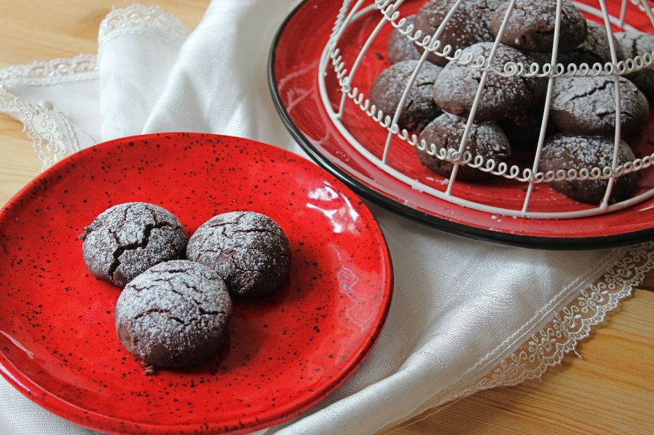 https://yemek.com/tarif/3-malzemeli-kakaolu-kurabiye/ | Üç Malzemeli Kakaolu Kurabiye Tarifi