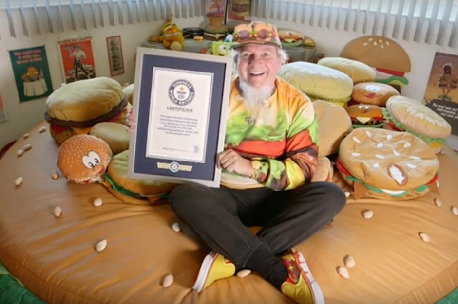 http://www.theloop.ca/worlds-biggest-collection-hamburger-merchandise-looks-like/ | theloop
