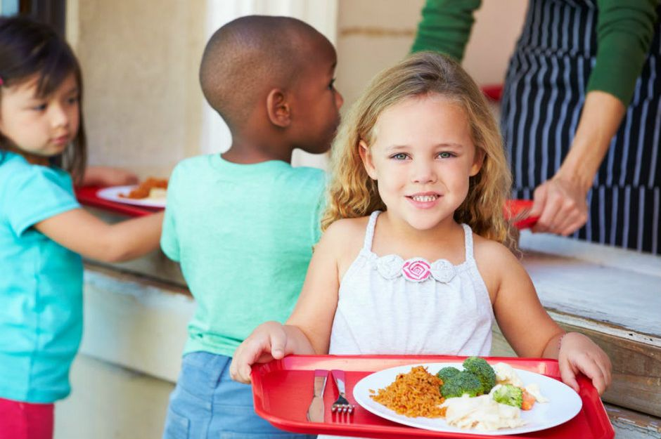 http://www.thekitchn.com/share-tables-at-florida-schools-keeps-hungry-kids-fed-252859 | thekitchn