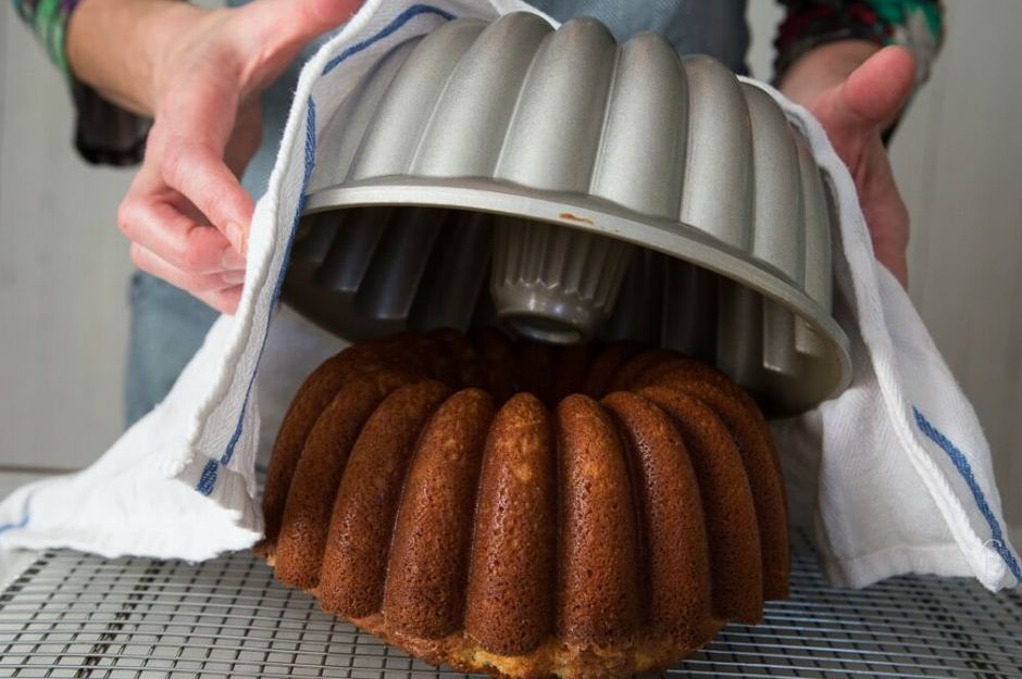 http://stuffyourkitchen.com/how-to-get-cake-out-of-bundt-pan/  stuffyourkitchen.com/