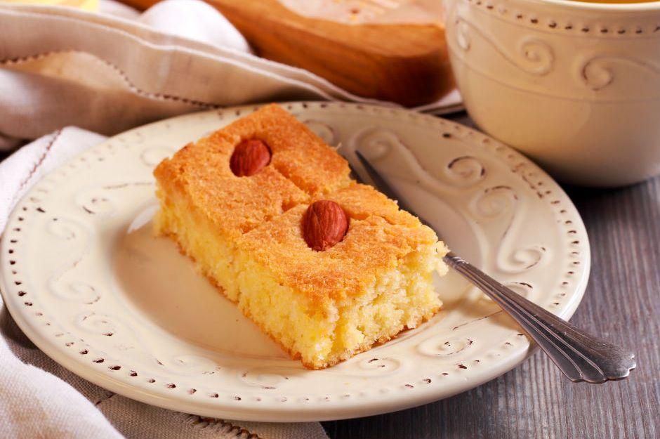 https://yemek.com/tarif/limonlu-yogurt-tatlisi/ | Limonlu Yoğurt Tatlısı Tarifi