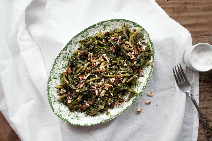 https://yemek.com/tarif/turp-otu-salatasi/ | Turp Otu Salatası Tarifi