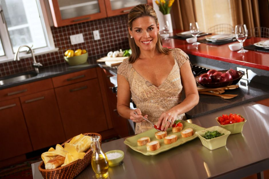http://fortune.com/2015/10/05/the-first-female-iron-chef-how-i-overcame-sexism-in-the-kitchen/   fortune