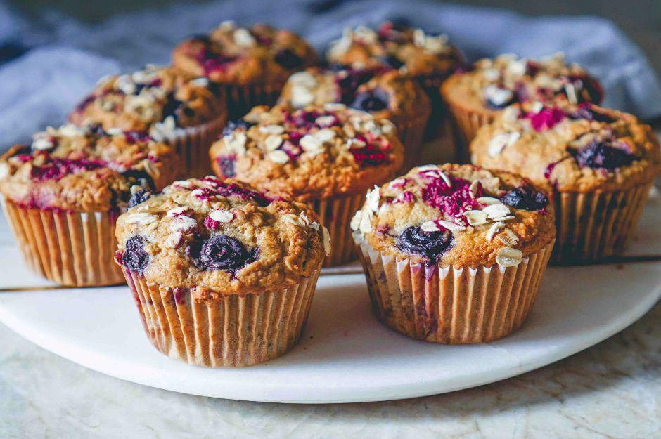 https://yemek.com/tarif/cilekli-diyet-kek/ | Çilekli Diyet Kek Tarifi