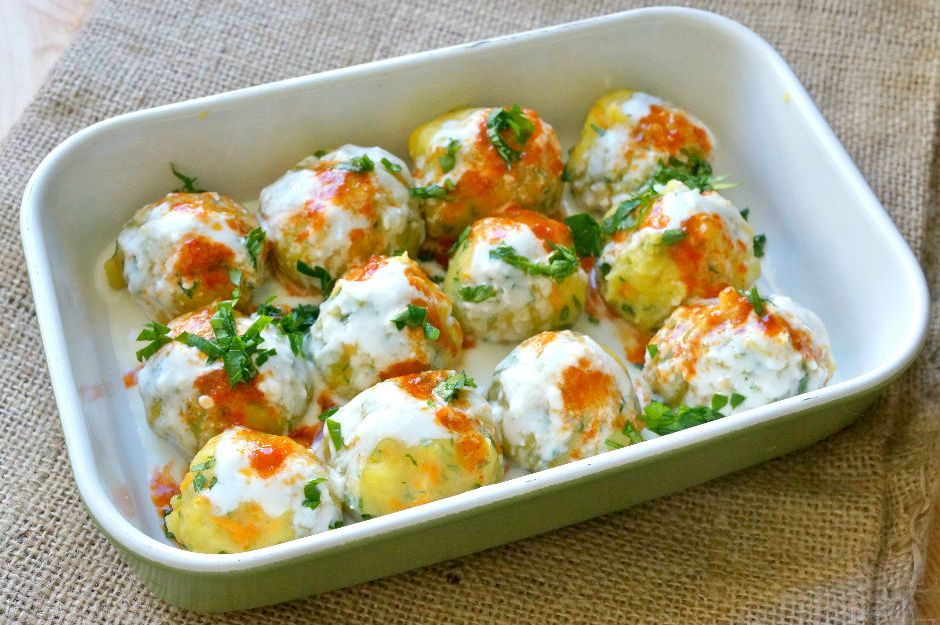 https://yemek.com/tarif/patatesli-havuclu-yogurtlama/ | Patatesli Havuçlu Yoğurtlama Tarifi