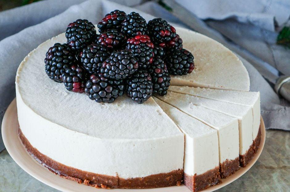 https://yemek.com/tarif/sekersiz-cheesecake/ | Şekersiz Cheesecake Tarifi