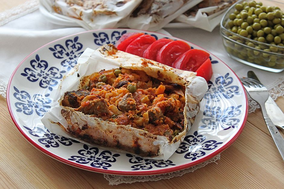 https://yemek.com/tarif/kagit-kebabi/   Kağıt Kebabı Tarifi