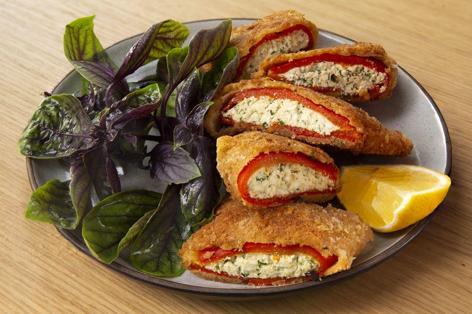 https://yemek.com/tarif/peynirli-biber-boregi/ | Peynirli Biber Böreği Tarifi