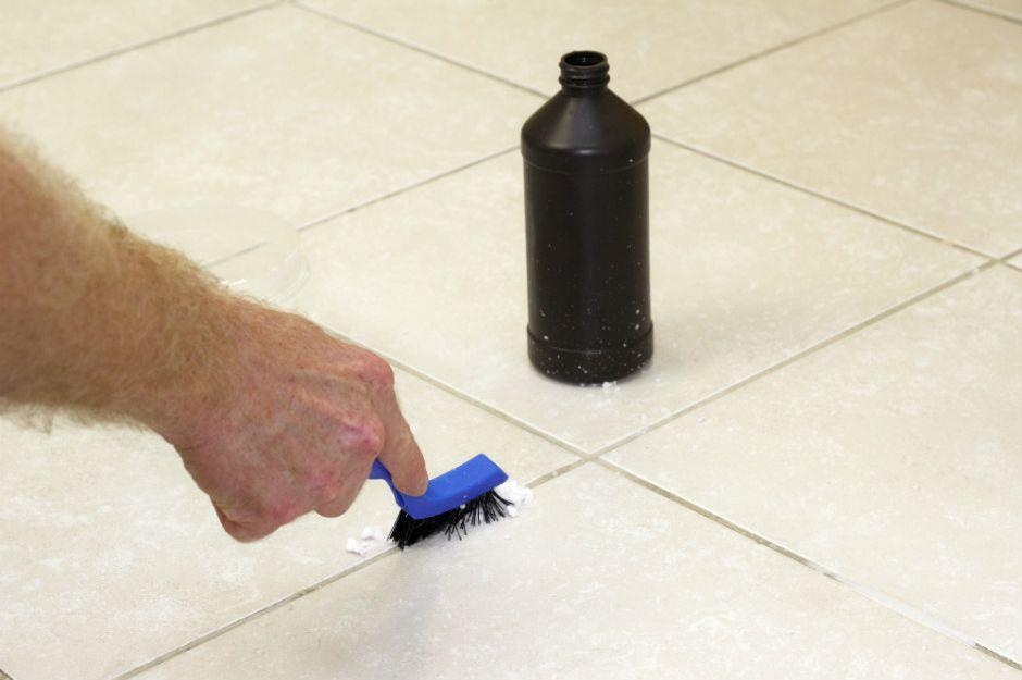 http://mysimpleremedies.com/amazing-cleaning-hacks-diy-lifehacks-using-baking-soda/   mysimpleremedies