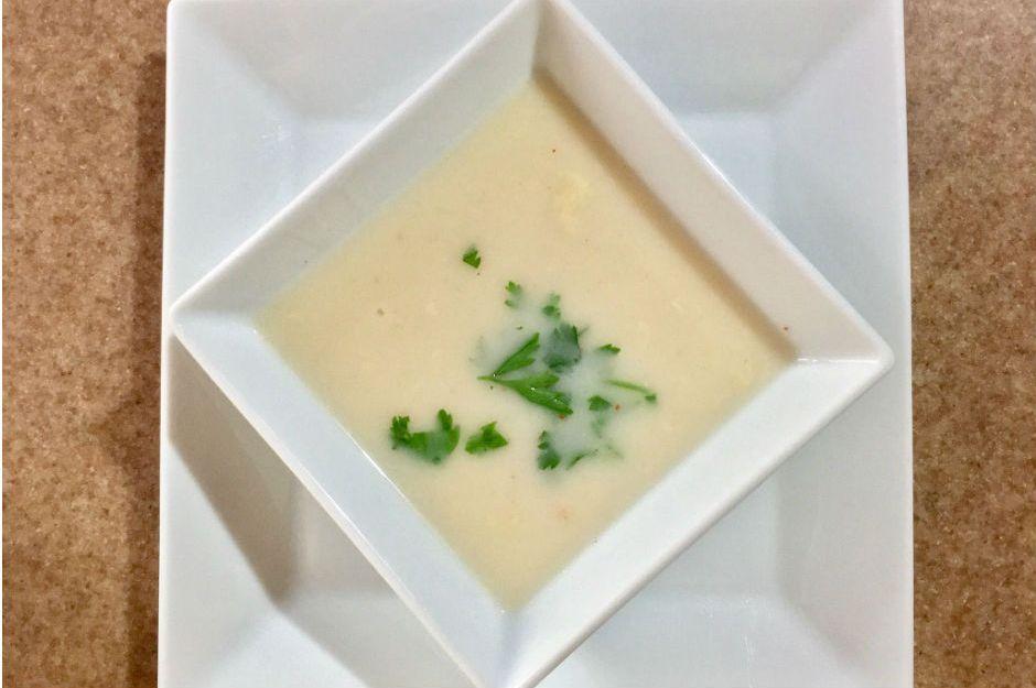 https://yemek.com/tarif/sutlu-tavuk-suyu-corbasi/ | Sütlü Tavuk Suyu Çorbası Tarifi