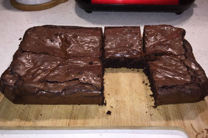 Bitter Çikolatalı Brownie Tarifi