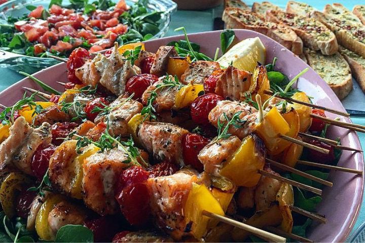 Sebzeli Somon Şiş Tarifi