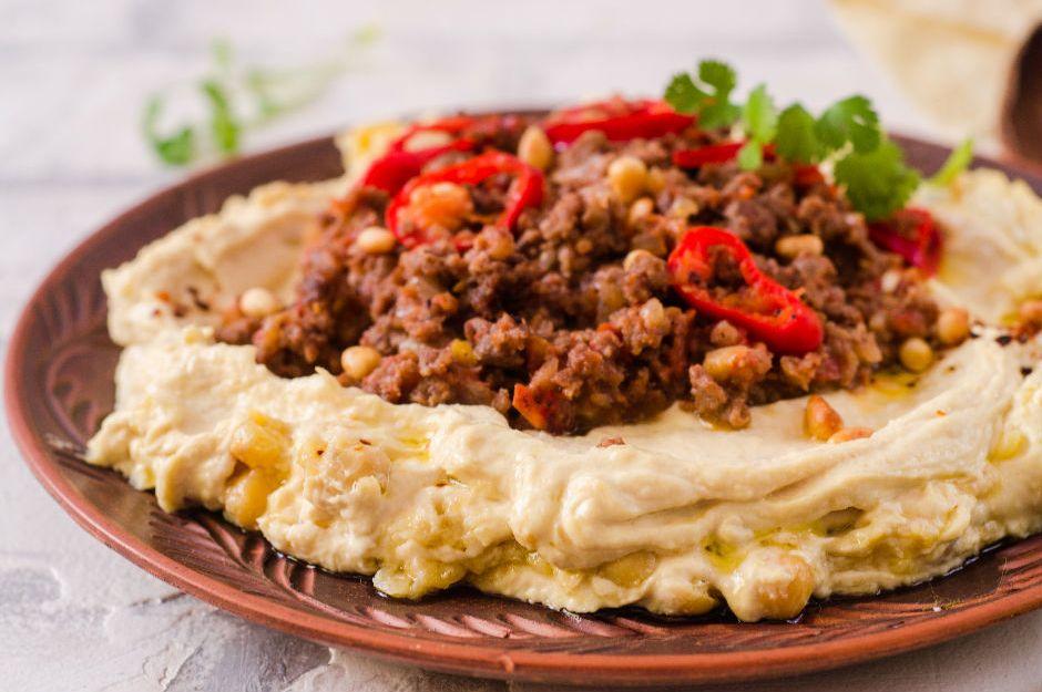 https://yemek.com/tarif/kiymali-humus/ | Kıymalı Humus Tarifi