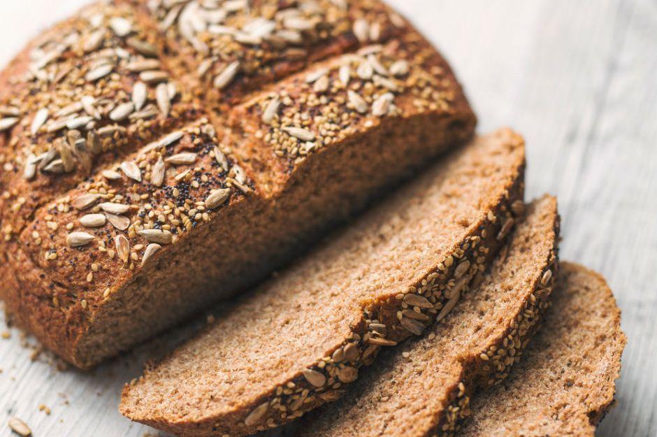 http://hazelandcacao.com/easy-homemade-wholemeal-spelt-bread/ |hazelandcacao.com