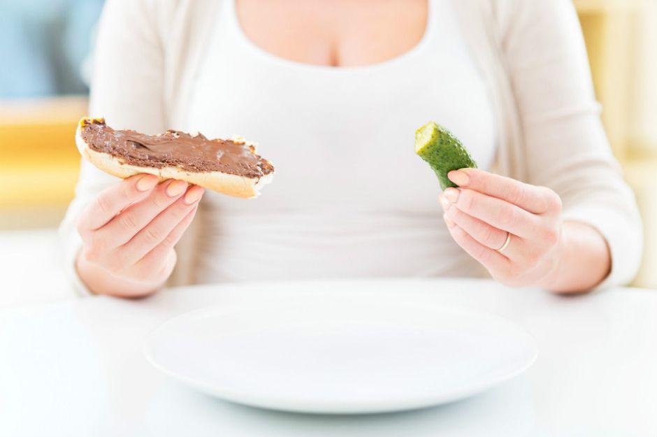 https://www.momtricks.com/pregnancy/when-do-cravings-start/ | momtricks