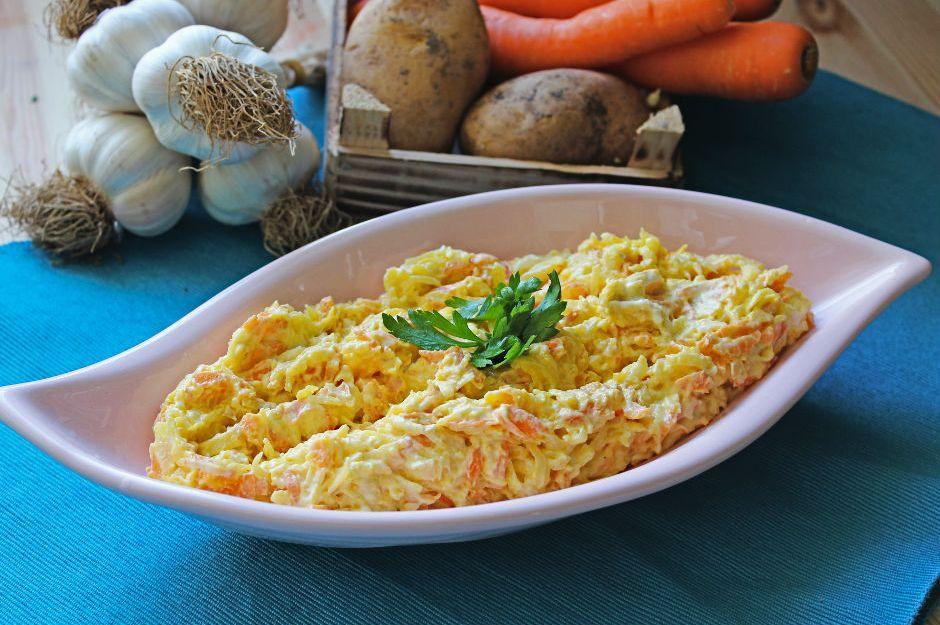 https://yemek.com/tarif/havuclu-patates-mezesi/ | Havuçlu Patates Mezesi Tarifi