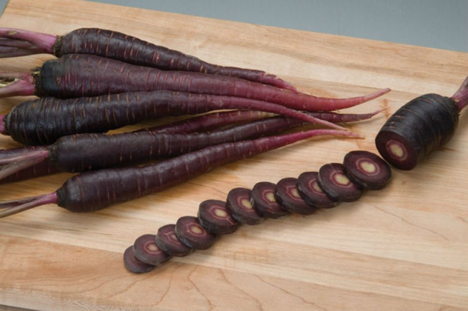 http://www.lifeberrys.com/healthy-living/5-healthy-benefits-of-eating-black-carrot-regularly-5212.html | lifeberrys