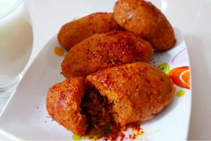 https://yemek.com/tarif/patates-koftesi-2/ | Patates Köftesi Tarifi