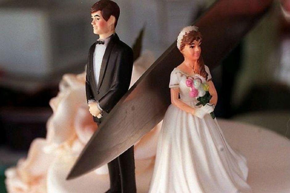 https://www.arabiaweddings.com/news/bride-shares-fianc%C3%A9s-cheating-video-their-wedding-day | arabiaweddings