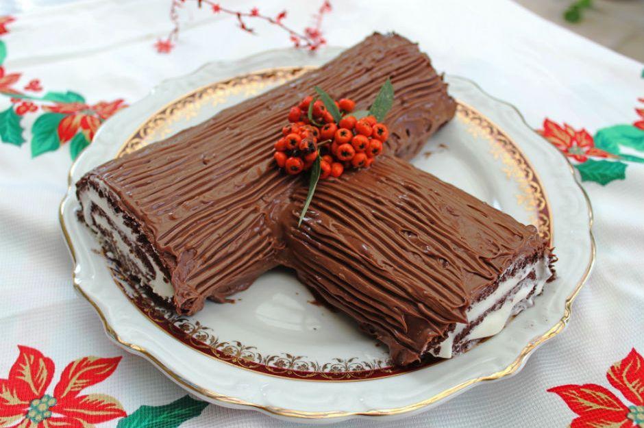 https://yemek.com/tarif/kutuk-pasta/ | Kütük Pasta Tarifi