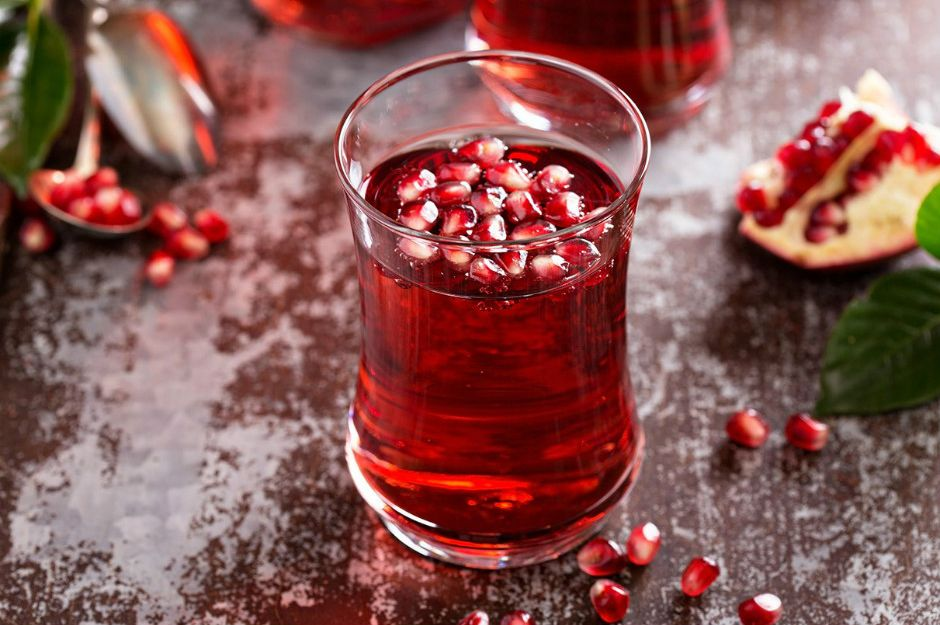 https://www.everydayhealth.com/rheumatoid-arthritis/diet/ra-pomegranate-juice-helpful-safe/ | everydayhealth
