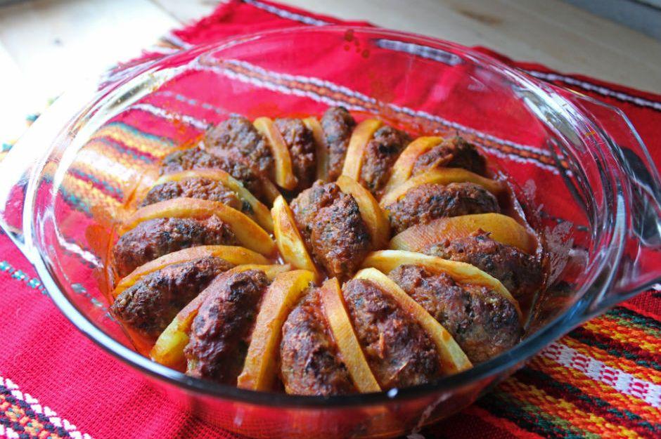 https://yemek.com/tarif/patates-kebabi/ | Patates Kebabı Tarifi