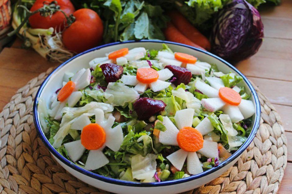 https://yemek.com/tarif/amasra-salatasi/ | Amasra Salatası Tarifi