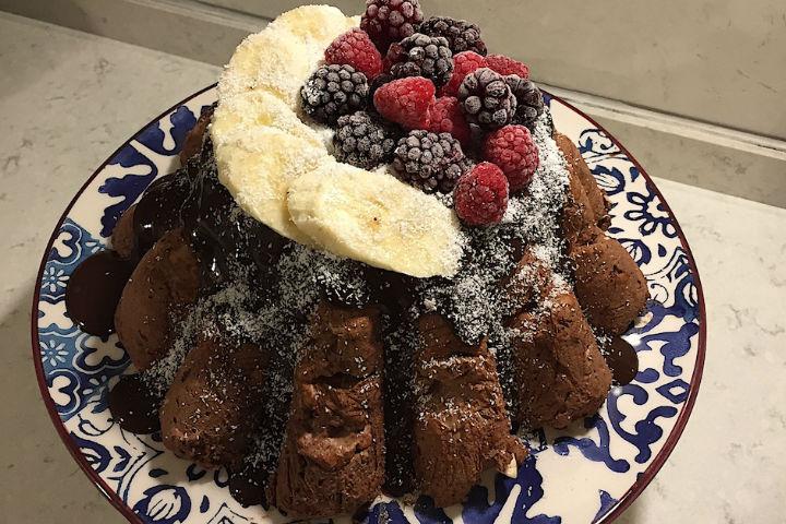https://yemek.com/tarif/kek-kalibinda-biskuvili-pasta/ | Kek Kalıbında Bisküvili Pasta Tarifi