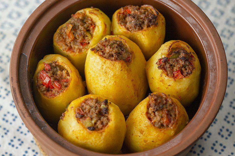 https://yemek.com/tarif/kiymali-patates-dolmasi/ | Kıymalı Patates Dolması Tarifi