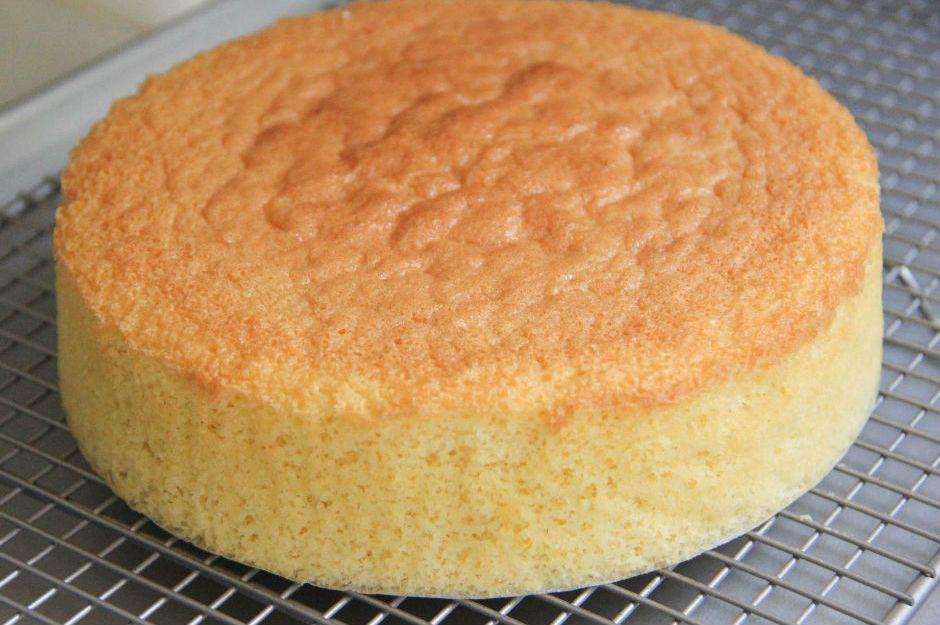https://www.japanesecooking101.com/sponge-cake-recipe/  japanesecooking101.com