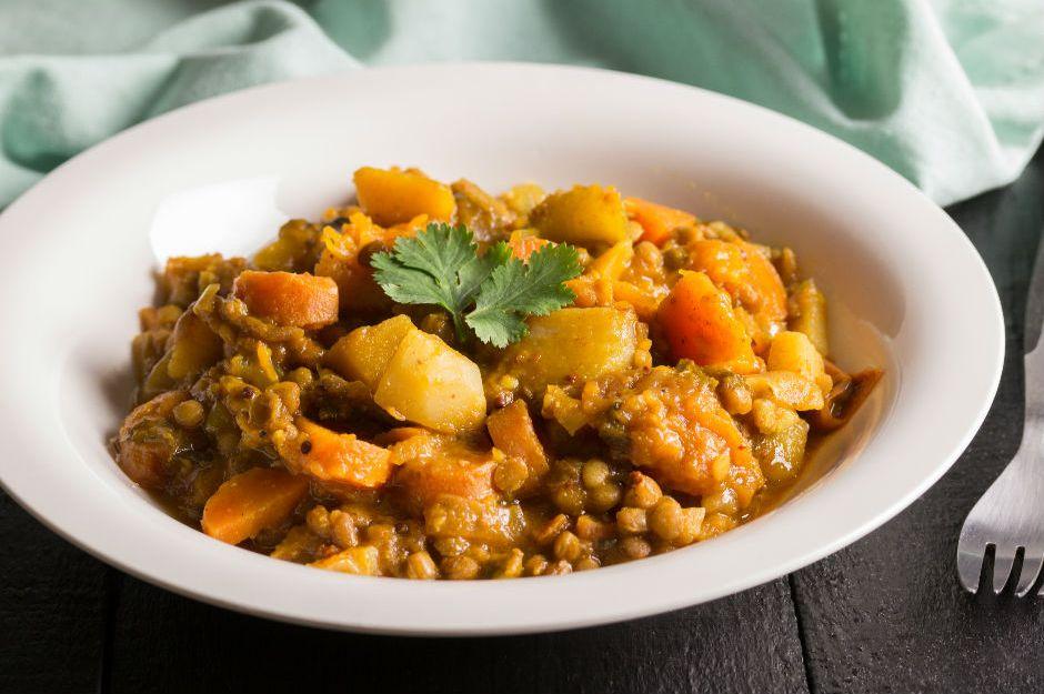 https://yemek.com/tarif/patatesli-yesil-mercimek-yemegi/ | Patatesli Yeşil Mercimek Yemeği Tarifi