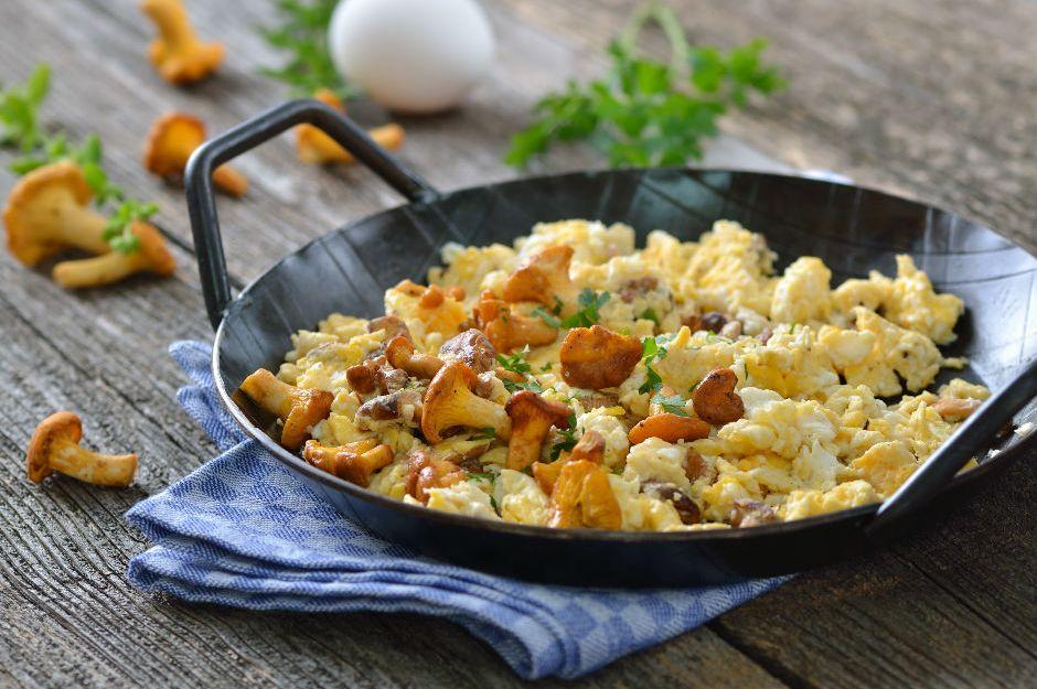 https://yemek.com/tarif/yumurtali-mantar/ | Yumurtalı Mantar Tarifi