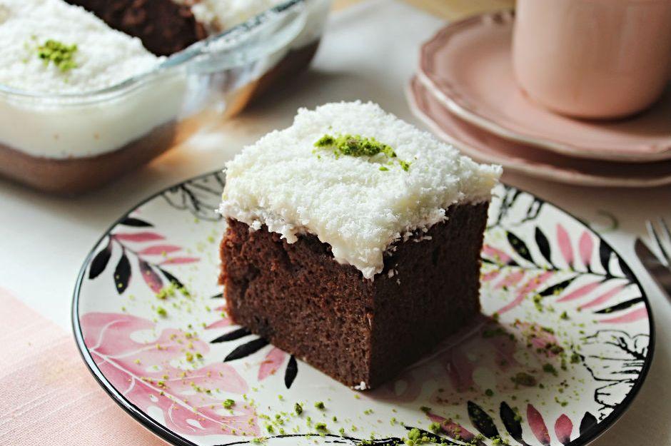 https://yemek.com/tarif/kakaolu-gelin-pastasi/ | Kakaolu Gelin Pastası Tarifi