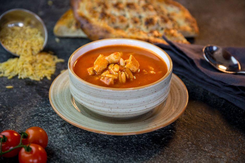 https://yemek.com/tarif/salcadan-domates-corbasi/ | Salçadan Domates Çorbası Tarifi