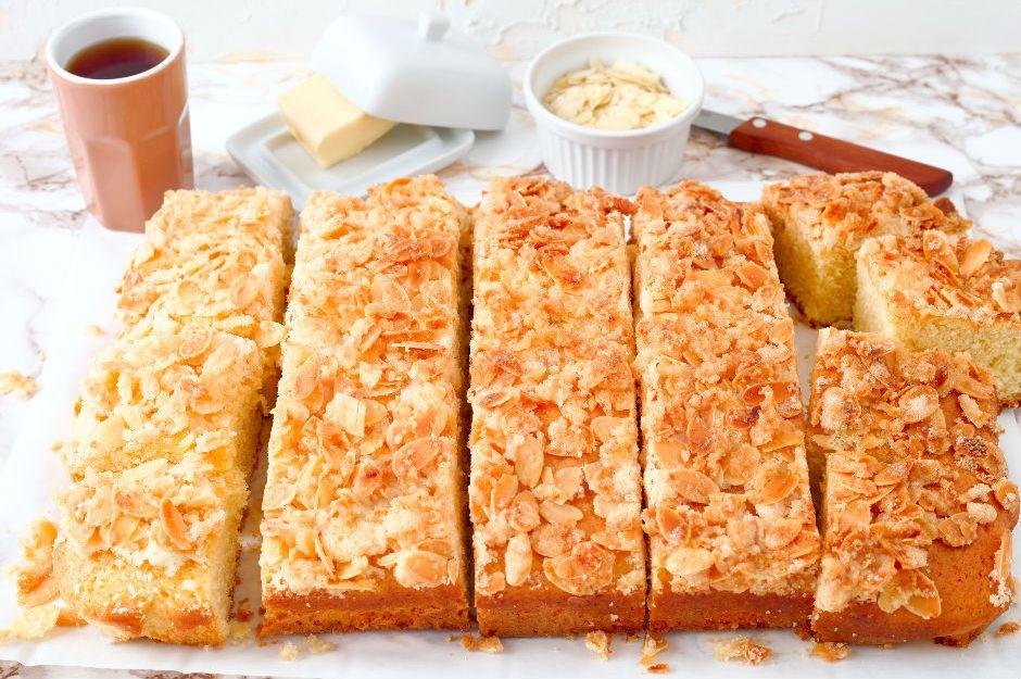 https://yemek.com/tarif/tereyagli-alman-keki-butterkuchen/ | Tereyağlı Alman Keki Tarifi