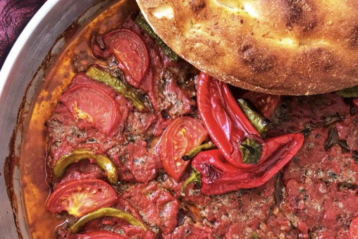 https://yemek.com/tarif/tepsi-kebabi-3/ | Tepsi Kebabı Tarifi