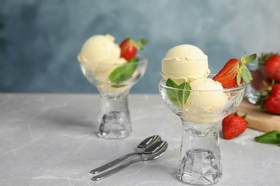 https://yemek.com/tarif/diyet-dondurma/ | Diyet Dondurma Tarifi
