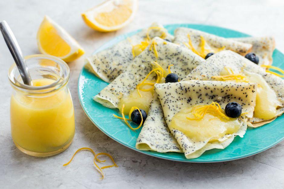 https://yemek.com/tarif/limon-soslu-hashasli-krep/ | Limon Soslu Haşhaşlı Krep Tarifi