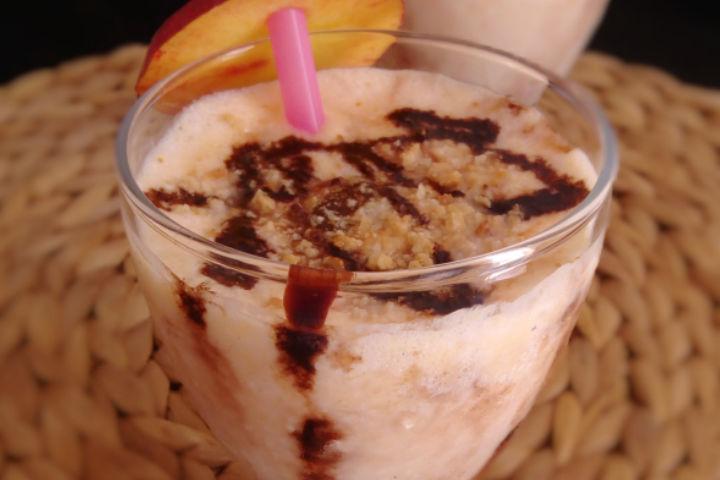 https://yemek.com/tarif/kurabiye-parcacikli-milkshake/ | Kurabiye Parçacıklı Milkshake Tarifi